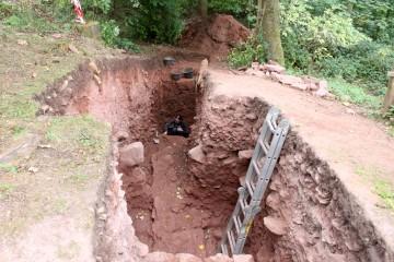 Am Schluss der Grabung entdecken wir noch ein Scherbennest (seufz).
