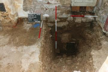 Der Konsolstein legt nahe, dass der Hauskeller ursprünglich eine Flachdecke hatte.