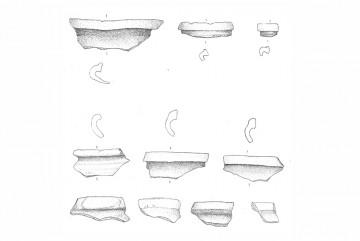 Keramiken der glimmerhaltigen Vorspessartware, Untermain, um 1250. Umzeichnung von Jasmin Borlik