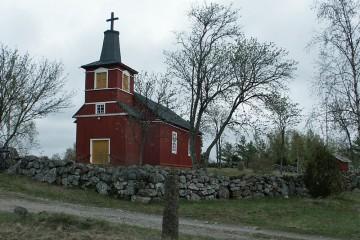 """Die Kirche in Untamala (Finnland) war Bestandteil des europäischen Projektes """"Pathways to Cultural Landscapes"""" (2000-2003)."""