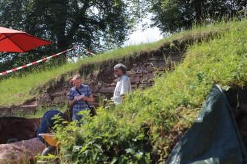 Die Main-Post berichtete über den Fortgang der Grabungen.