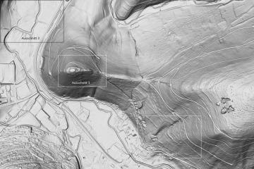 Gotthardsberg und Umgebung im Digitalen Geländemodell DGM1, Visualisierung als individuelle Schummerung, Gebietsausschnitt 1600 m x 2400 m. Geobasisdaten: Bayerische Vermessungsverwaltung; Aufbereitung: Karl-Heinz Gertolff, Egelsbach 2018