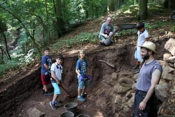 Eine Woche lang dürfen die Schüler Archäologie hautnah erleben.