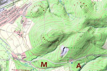 Abb. 14: Kugelberg und Gartenberg in der Topographischen Karte / Ortskarte 1:10000 (Gebietsausschnitt 1500 m x 2250 m). Quelle: Bayerischer Denkmal-Atlas (www.blfd.bayern.de); Bearbeiter: Karl-Heinz Gertloff, Egelsbach.