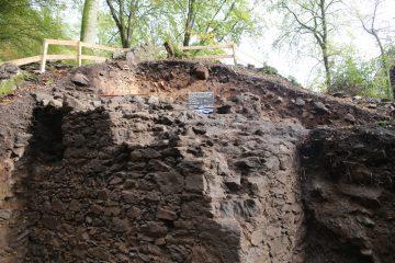 Schnitt 1 Ost: Ecke der Ringmauer