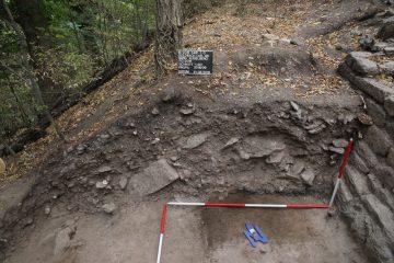 Nördlicher Bereich der Schuttschichtauflagerungen westlich der Ringmauer