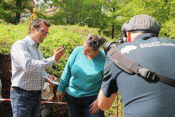 Pressetermin mit Bürgermeister, Catha und Vorhängeschloss