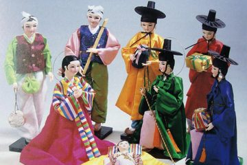Glattbach ist für sein Krippenmuseum berühmt. Unter den Ausstellungsstücken befindet sich ein Krippe aus Südkorea.