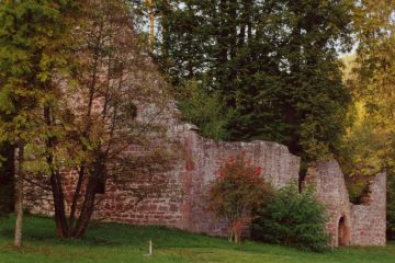 Die Markuskapelle wurde im 16. Jahrhun-dert aufgegeben. Dieverbliebenen Architek-turelemente verweisenauf den gotischen Stil.