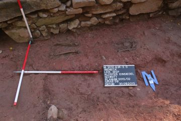 Grab 59 war teilweise von den Fundamenten der nach 1295 errichteten Kirche überlagert.