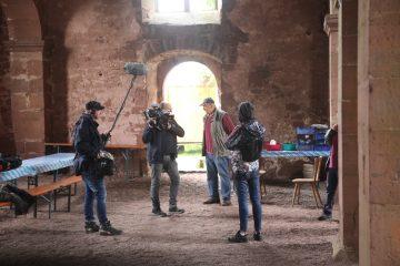 Ein Filmteam des BR nimmt sich der Arbeit der Ehrenamtlichen an.
